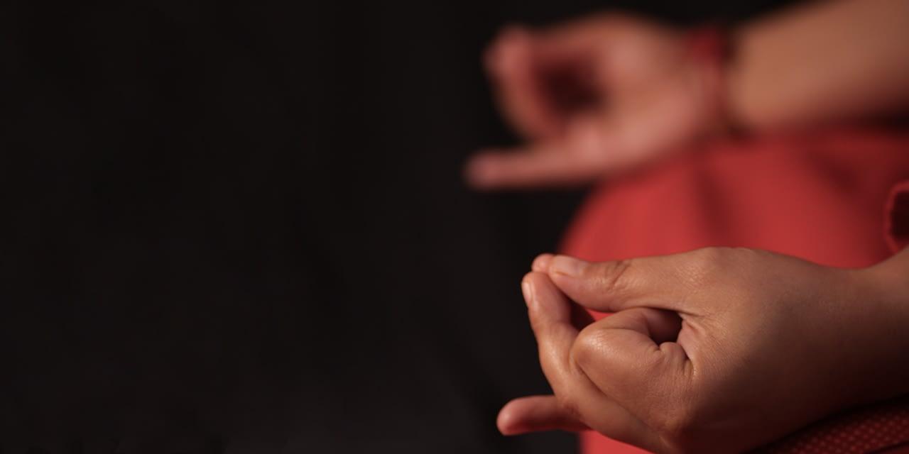 Mudras Teil 2: Praktische Tipps und Übungen