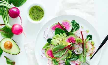 Vitalisierende Salate und Smoothies – für gesunde Sommertage