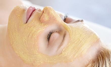 Ayurveda-Schönheitsbehandlung mit Amalaki Naturkosmetik