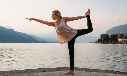 Yoga – kühlende Übungen für den Sommer
